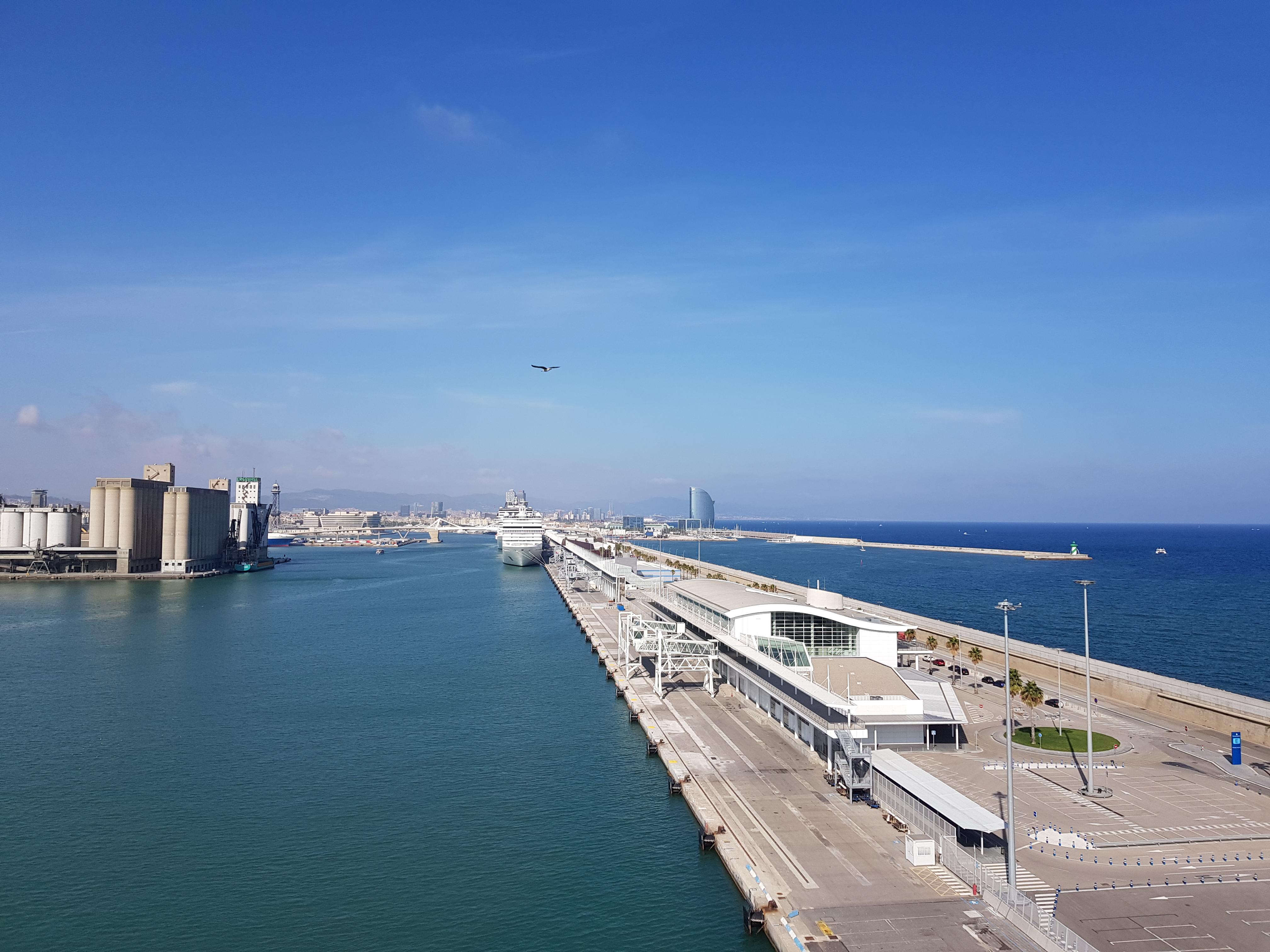 Kreuzfahrt nach Barcelona: Hafen, Ausflüge & Sehenswürdigkeiten