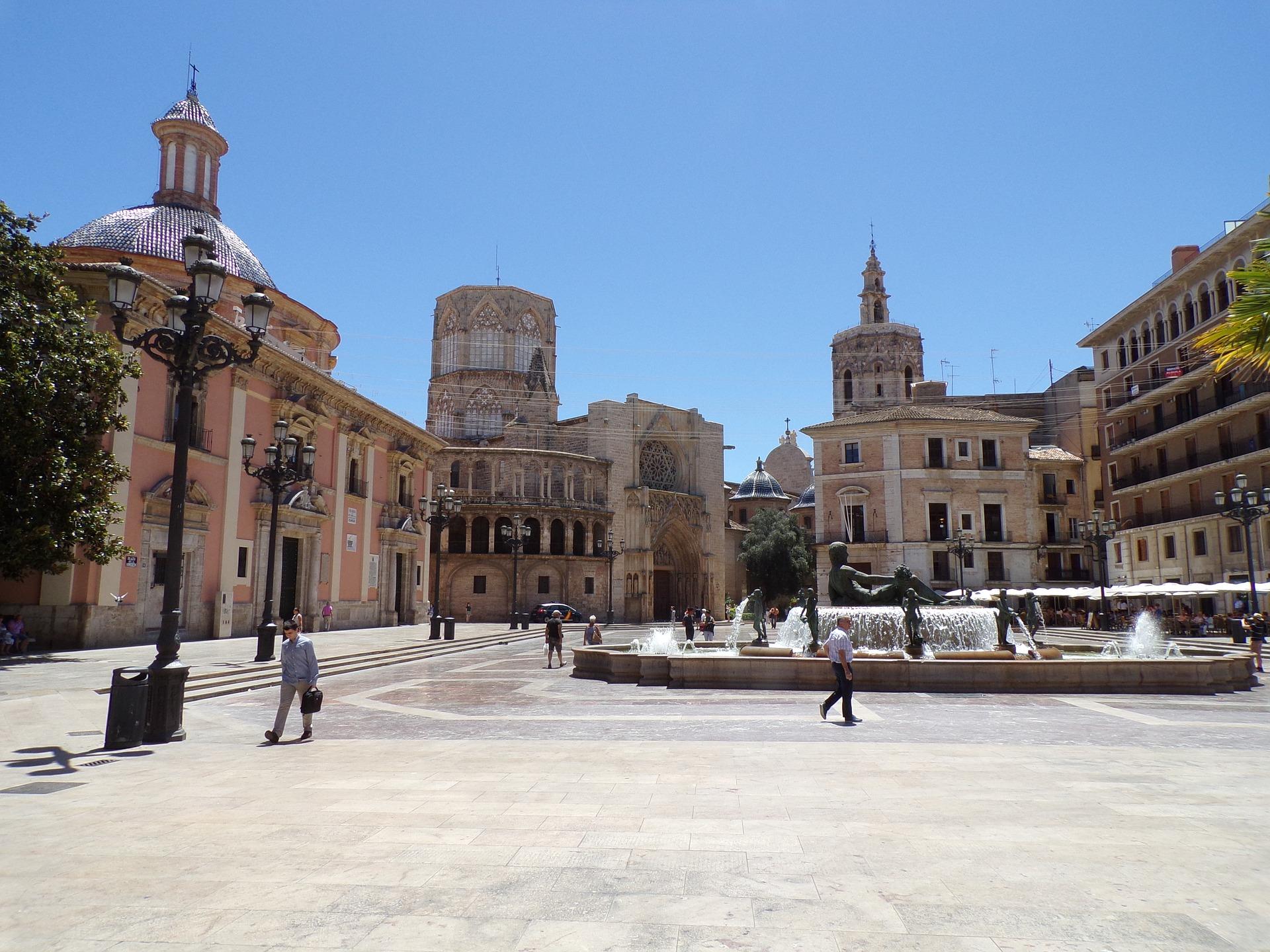 Kreuzfahrt nach Valencia: Hafen, Ausflüge & Sehenswürdigkeiten